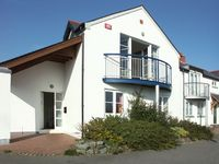 TRAETH ATSAIN, pet friendly, with a garden in Trearddur Bay, Ref 1047