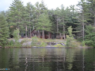 The Lakehouse On Tea Lake - Muskoka Lakes