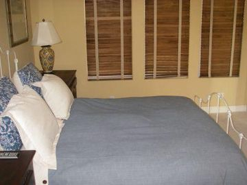 Casita Queen size bed. Private full bathroom attached.