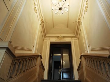 Dramatic entrance, Award nominated renovation