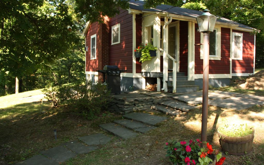 Hudson Valley Cottage On 10 Rolling Acres Vrbo