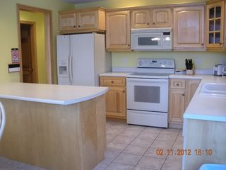 Pittsburg chalet photo - fully equipped kitchen - side by side refrig with ice maker, etc.