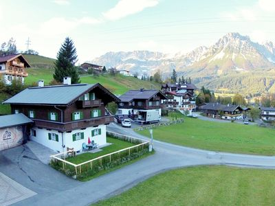 Detached house right at the ski lift and the village of Ellmau!