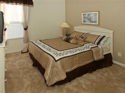 2nd Master Bedroom - Queen Size Bed with Brand New Mattress