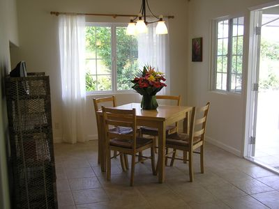 Keaau house rental - Dining Area