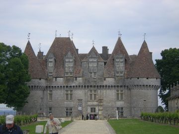 Iconic Chateau Monbazillac is 25 minutes west of the Villa