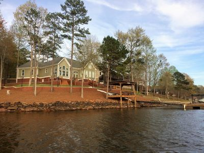 Beautiful family lake home in perfect location on great water. Kayaks&paddleboat