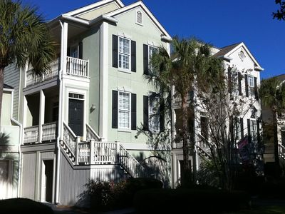 2429 Charlestowne Place is a lovely home to spend your Seabrook vacation.
