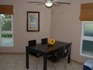 Grand Cayman condo photo - Dining table with seating for four