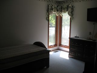Cape May house photo - 3rd bedroom w/trundle bed and flat screen tv w/built in DVD
