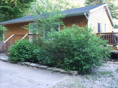 Buchanan cottage rental - Cedar Cottage, Large Front Deck with Auto-light Weber Grill.