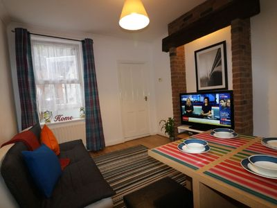 SALISBURY HOUSE LUTON - AFFORDABLE COSY CORPORATE / HOLIDAY ACCOMMODATION -7 PAX