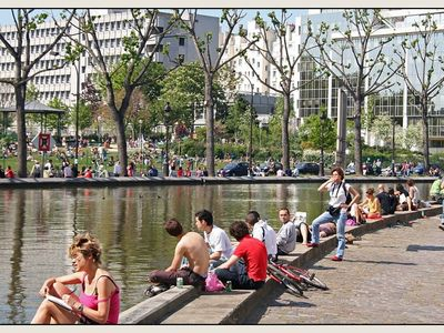 10th Arrondissement Canal St Martin apartment rental - Canal St Martin in summer time