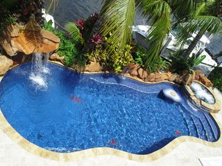 Pompano Beach apartment photo - Pool and spa
