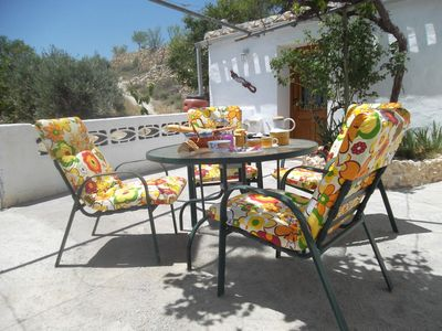 Self catering Cave + pool in Baza, walk to Town, quiet rural setting/ free WIFI