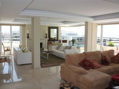 Marbella Town apartment rental - The spacious lounge area