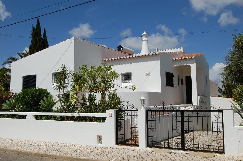 Air-conditioned house, close to the beach , Alvor, Faro