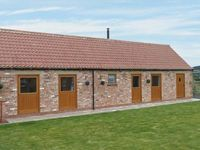 POTTOWE COTTAGE, pet friendly, with a garden in Stokesley, Ref 13981