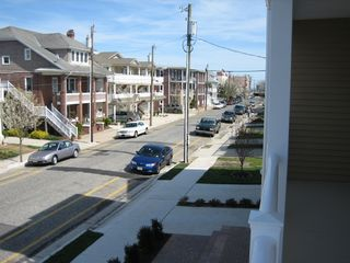 Wildwood condo photo - The quite one-way E Maple Ave