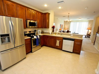 Fully stocked kitchen, stainless steel appliances