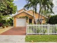 Charming Downtown Delray Pool Home