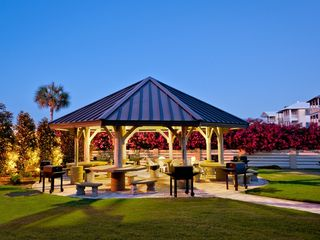Conveniently located pavillion for grilling - Islander Destin condo vacation rental photo