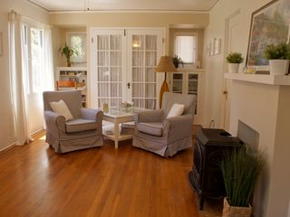 La Jolla cottage photo - Living room
