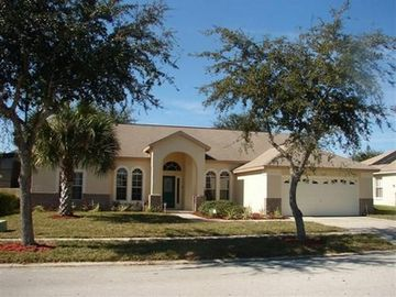 Orange Tree house rental - Here is a view of the front of our house from the street. sidewalks for safety