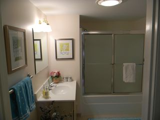 Old Orchard Beach condo photo - Bathroom