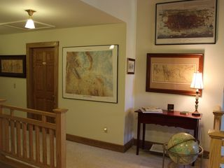 Yellowstone lodge photo - Loft Maps