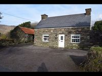 Annies Cottage - Ring