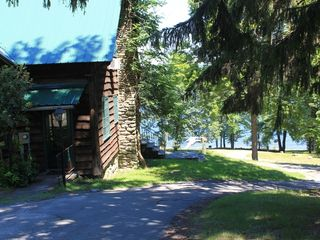 Lake Wallenpaupack lodge photo - Nemanie Lodge