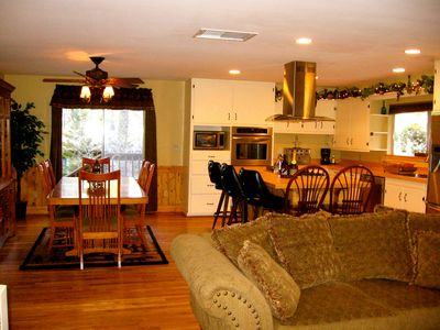 Prescott lodge rental - Plenty of room for get togethers and fun!