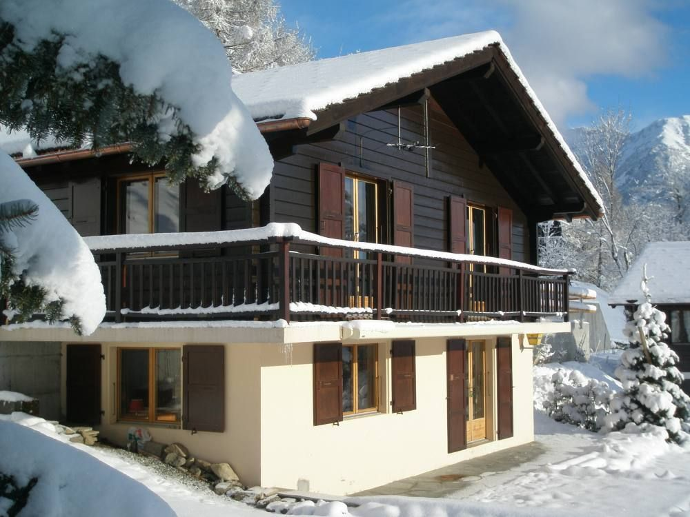 Peaceful house, with terrace , Salvan, Valais