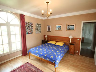 Large bedroom with ensuite.