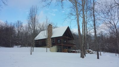 Secluded Deluxe Log Cabin Overlooking Beautiful Stocked Pond