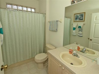 Full Bathroom 3