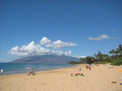 HELLO Kamaole Beach!!! Kihei's top rated beach just a pleasant stroll away...