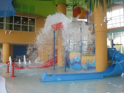 Kids pool/play area