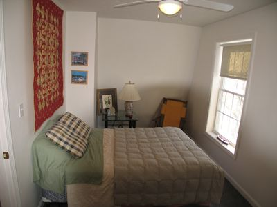Alton cottage rental - Master Bedroom (queen bed)