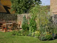 C16th house, large garden,central Rye, sleeps eight