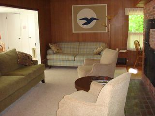 Montague cottage photo - New comfortable, cozy furnishings in the living area.