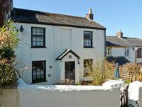 ST LEVEN, pet friendly, with a garden in Ilfracombe, Ref 24340