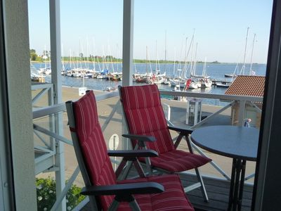 Attractive apartment with a southern view of the marina and fishing harbor