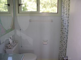 Chilmark house photo - 1st floor full bath w/ tub/shower combo