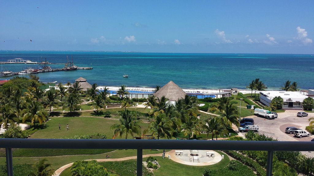 Cancun Beachfront 2 Bedrooms Condo
