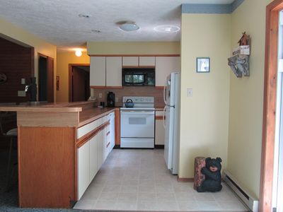 Immaculate kitchen with all you need - dishes, pots pans etc.