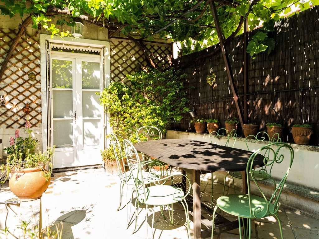 Holiday house, 170 square meters , Charonne, France