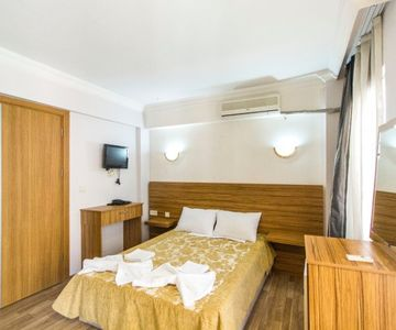 Private Room for 3 in Sultanahmet, 10 minutes to Sultanahmet Square