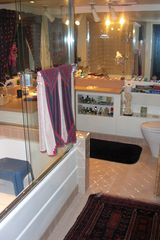 Tiburon house photo - Spacious guest full bath, sauna adjacent.